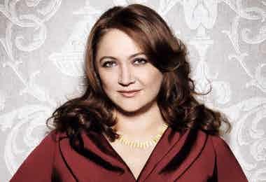 Ayesha Vardag vardags