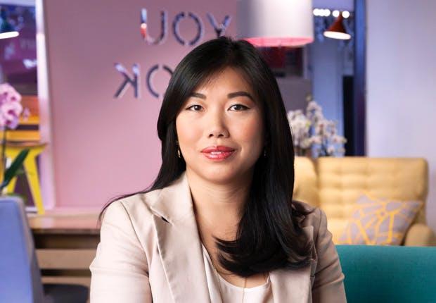 Lisa Tomlins