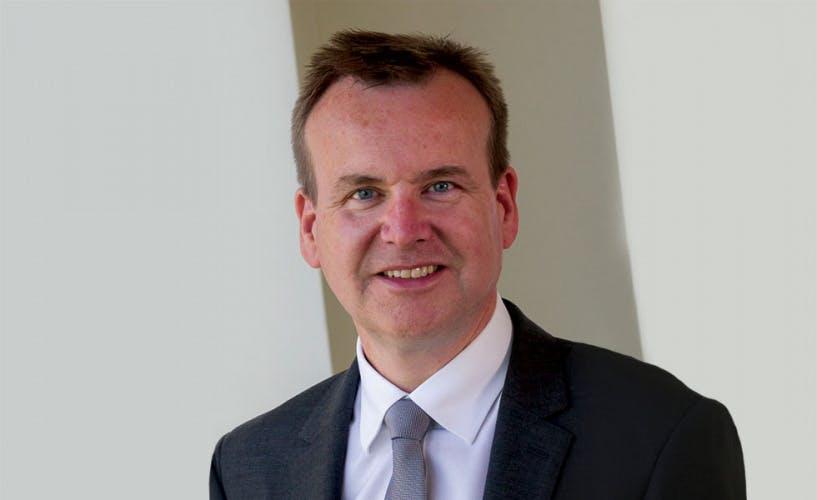 Mark Quigley, Sintons