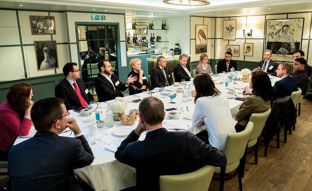 Picture of the roundtable delegates, subject FTSE 100 companies debate legal operations efficiencies