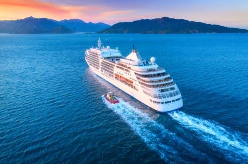 Cruise boat ship