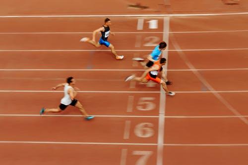 Race running to finish